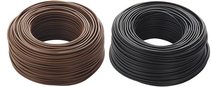 cavi elettrici di colore marrone e nero di fase