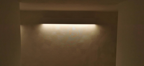 illuminazione d'atmosfera corridoio nello studio commercialista