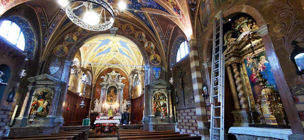 foto dell'interno della chiesa di vinigo